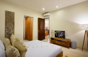 Villa Sophia Legian, Bali - Bedroom one with ensuite bathroom