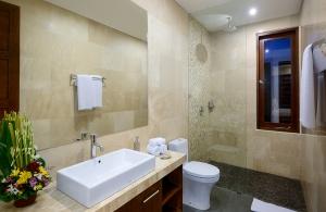 Villa Sophia Legian, Bali - Bathroom 2
